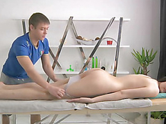 Juvenile masseur is getting a hard screw-up from massaging playgirl